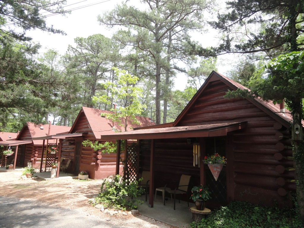 Tall Pines Log Cabins 1