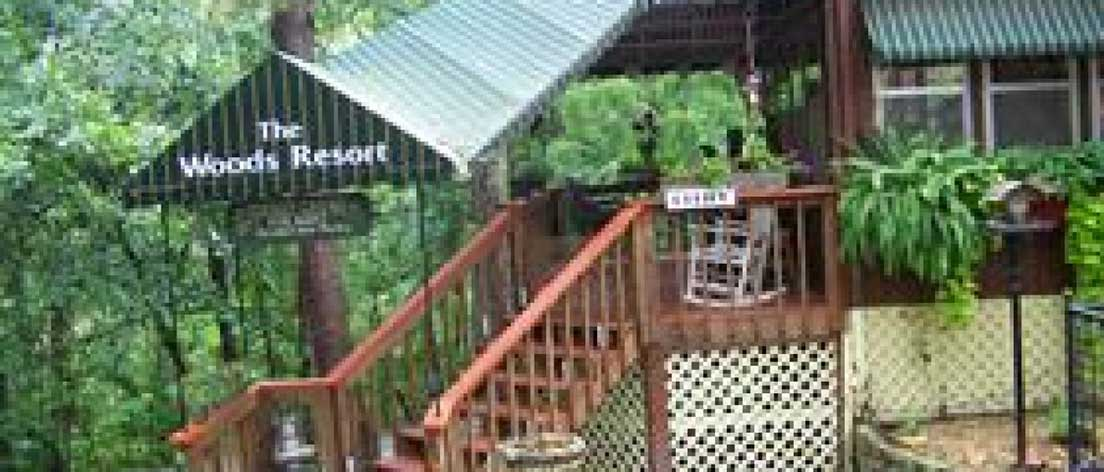 The woods resort treehouse cottages eureka springs for Tree house cabins arkansas