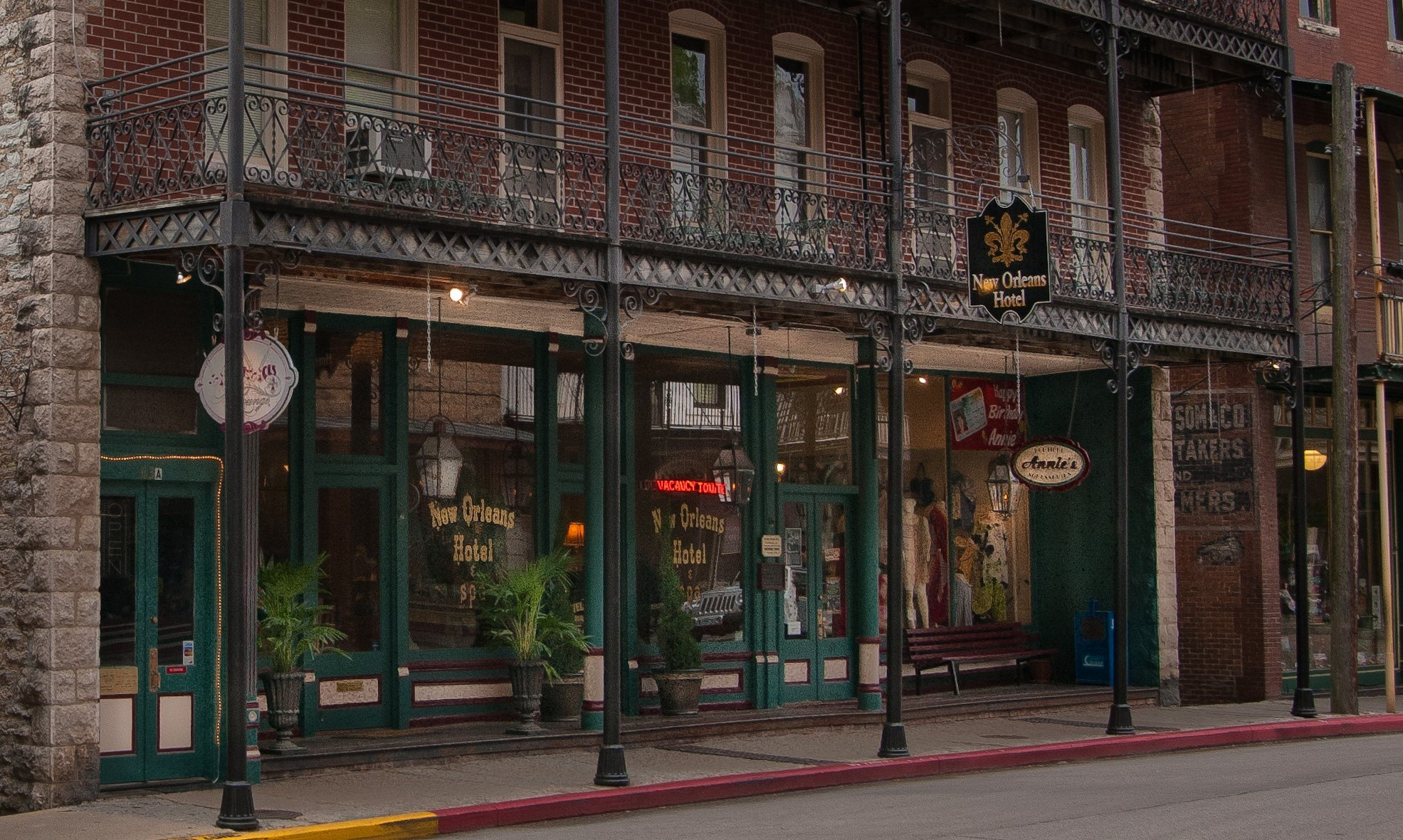 New Orleans Hotel - Events in Eureka Springs