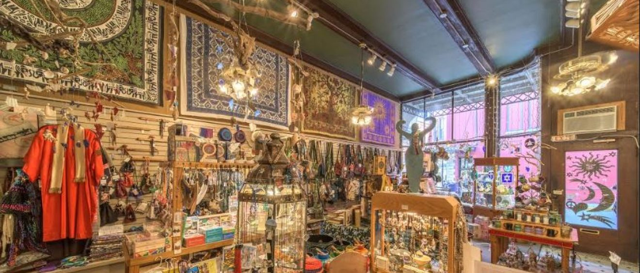 Eureka Springs Shopping