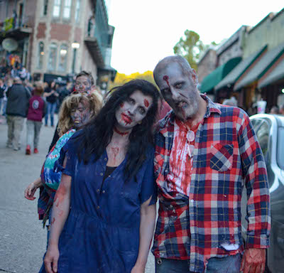 Eureka Springs Zombie Crawl male and female zombies